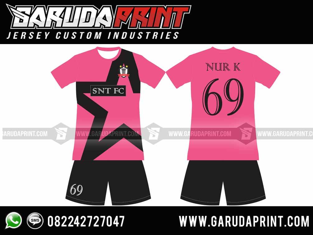 pembuatan Desain Baju Bola Warna Pink Keren