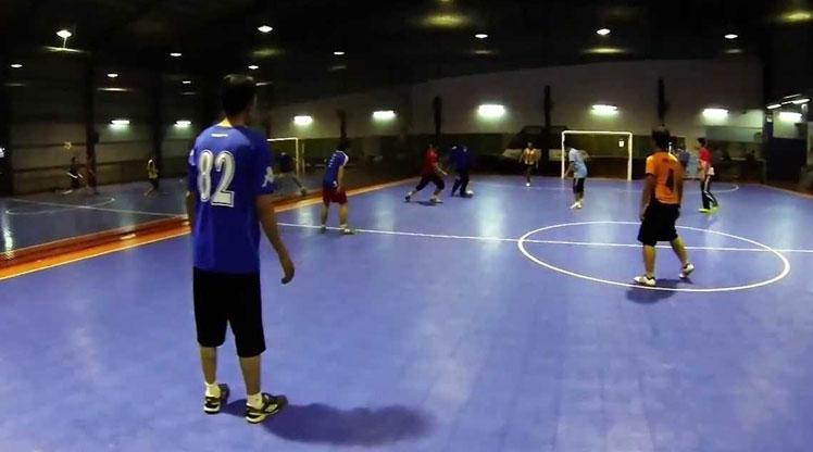 Waspadai Bahaya Bermain Futsal Pada Malam Hari