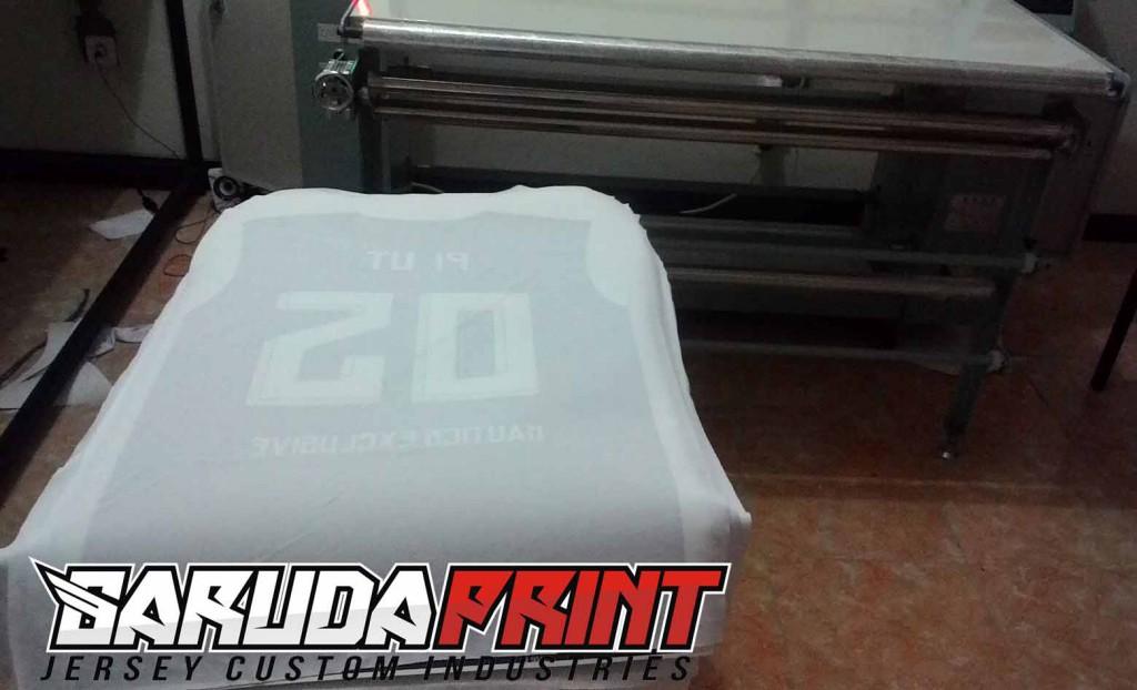 proses-press-pembuatan-jersey-futsal