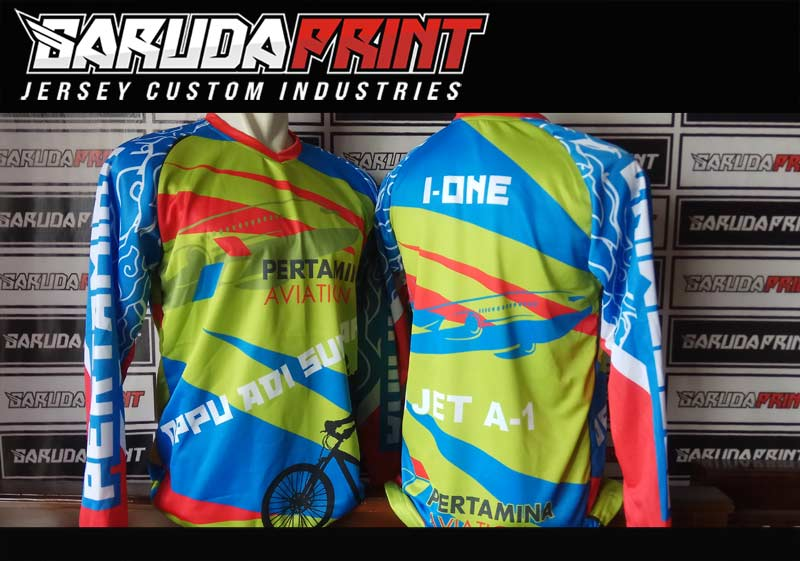 Pembuatan baju jersey printing untuk jenis sepeda MTB Downhill Sepeda Gunung