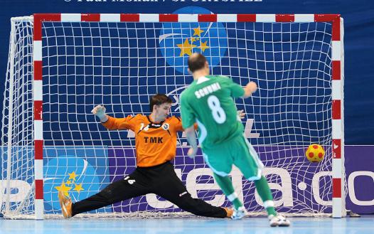 Tips Dan Teknik Dasar Kiper Futsal Yang Perlu Di Pelajari