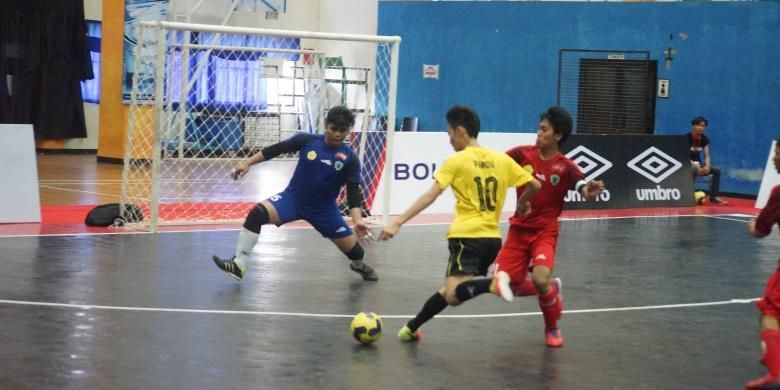 Orang Terakhir Dan Penyerang Dalam Posisi Pemain Futsal